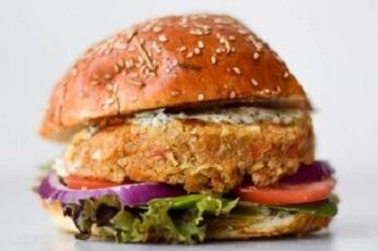 Cauliflower and quinoa veggie burger