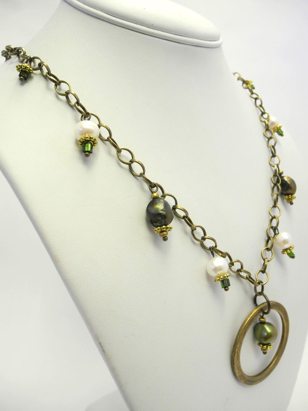 Spring Green Necklace 3.jpg