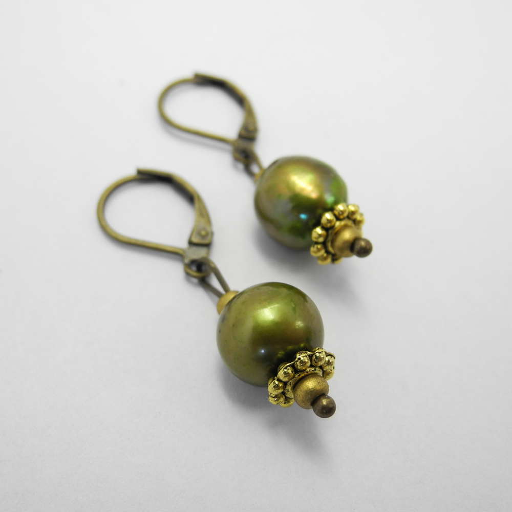 Spring Green Earrings.jpg